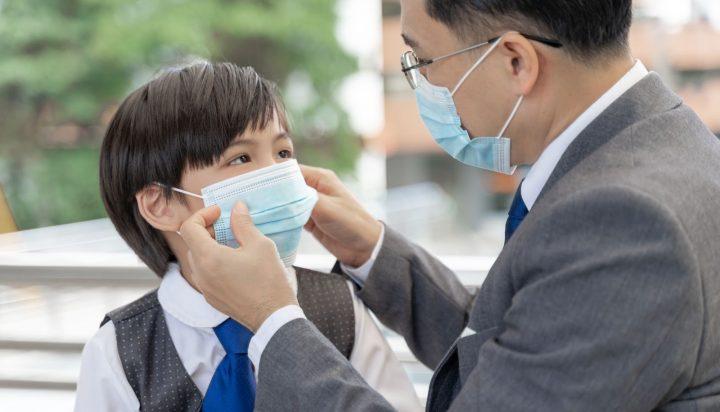 Lindungi Keluarga dari Virus dengan Membawa 5 Produk Ini Saat Keluar Rumah (website)