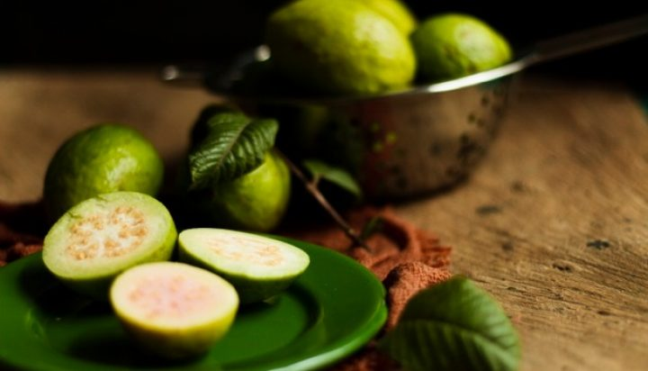 close-up-guava-fruits-plate_23-2148352309